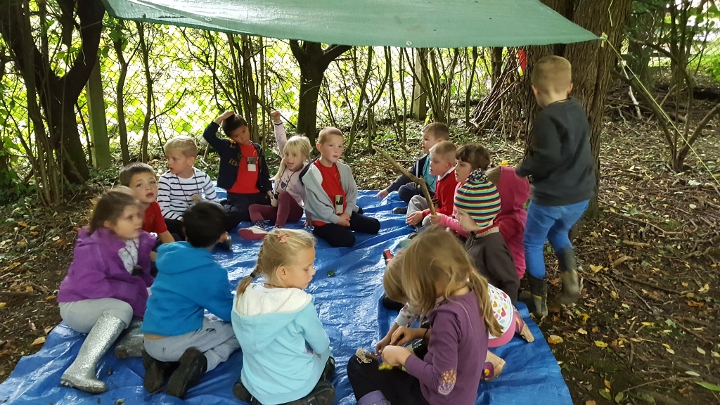 Forest craft in school grounds